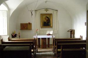 A rendház kápolnája