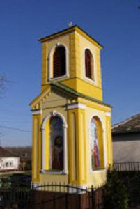 Gróf Győry Teréz tiszteletére emelt harangláb