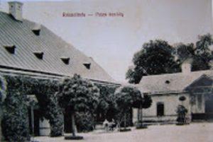 A rácalmási Jankovich-kúria fényképe egy régi képeslapon
