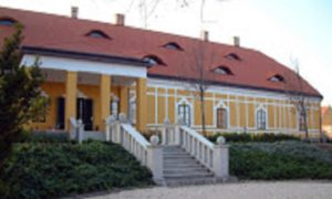 A kúria Duna felőli oldala