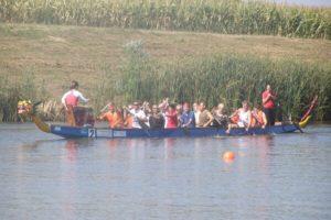 A baracsi horgásztavon nemcsak horgászversenyeket, hanem augusztus 20-án sárkányhajó versenyeket is rendeznek