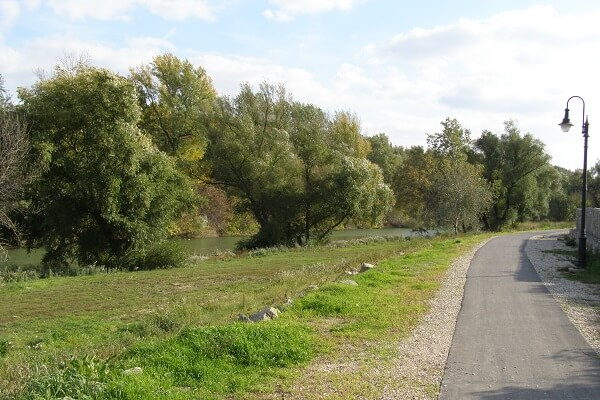Rácalmásról Dunaújvárosig a Duna-parton vezet a festői kerékpárút